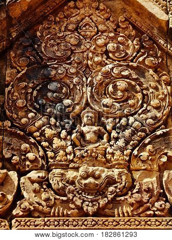 Angkor Wat - Beautiful carvings bas reliefs of Banteay Srei Temple