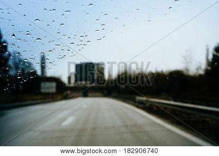 Dangerous Driving During Heavy Rain Left-hand Traffic
