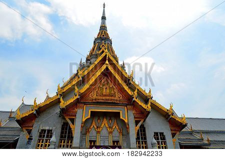 The Buddhist temple in Southeast Asia is striking in its beauty and grandeur. Many people go to worship the Buddha, and tourists go to see beautiful buildings