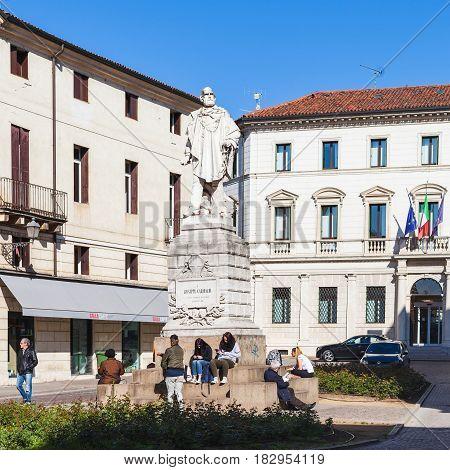 Statue Giuseppe Garibaldi On Piazza Del Castello