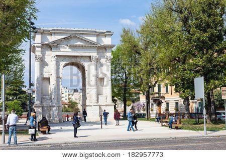 People Near Arco Dei Gavi In Verona City In Spring