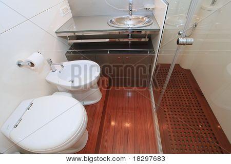 Yacht Head / Bathroom