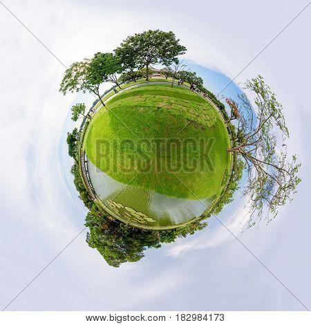 360 Panorama of public park / circle panorama