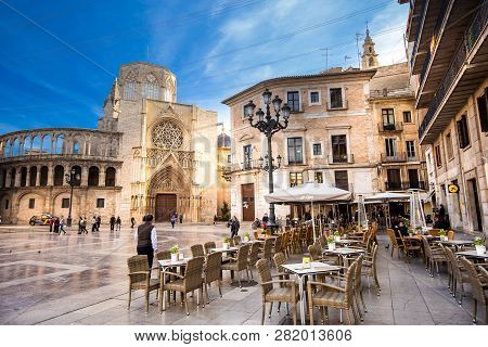Valencia Spain - November 15, 2017: Open Cafe On St. Mary S Square - The Main Landmark Of The City.