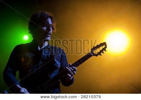 CLARK, NJ - 16 Eylül: Gitar çalar Joel Kosche grubu Collective Soul sendika Cou gerçekleştirir