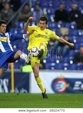 BARCELONA - MARCH 7: Joseba Llorente   of Villareal during a Spanish League match between Espanyol and Villareal at the Estadi Cornella on March 7, 2010 in Barcelona, Spain