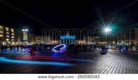 Berlin - October 07, 2018: Pariser Platz And Brandenburg Gate In Brightly Colored Illuminations. Len
