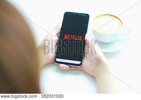 Chiang Mai, Thailand - August 23, 2020 : A Woman Hand Holding Smart Phone With Netflix Logo On Huawe