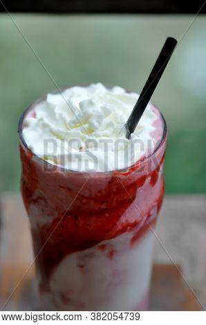 Strawberry Yogurt Smoothie, Mixed Berry Smoothie Or Berry Yogurt
