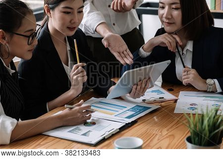 Young Of Business People Meeting Conference Discussion Corporate Concept