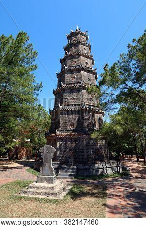 Hue, Vietnam, July 15, 2020: Vertical View Of Chùa Thiên Mụ Pagoda, Hue, Vietnam