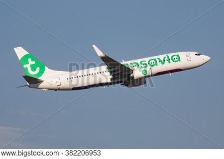 Budapest / Hungary - October 7, 2018: Transavia Boeing 737-800 Ph-hxf Passenger Plane Departure And