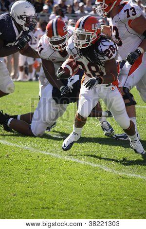 Illinois running back #28 Troy Pollard