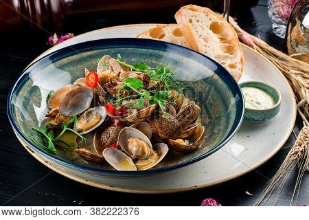 Clams Steamed In Sake Japanese Food, Shellfish Clams Seafood In Restaurant