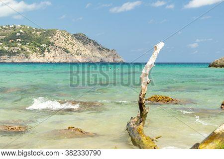 Aigues Blanques, Santa Eulalia Des Riu, Ibiza, España : 2015 June 28 : Beautiful Day In Aigues Blanq