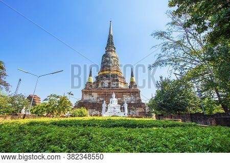 Wat Yai Chaimongkol In Phra Nakhon Si Ayutthaya Province In Thailand