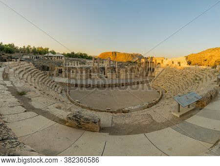 Bet Shean, Israel - August 23, 2020: Sunset View Of The Roman Theater, In The Ancient Roman-byzantin
