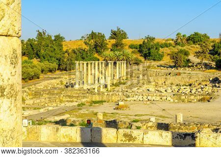 View Of Remains Of The Ancient Roman-byzantine City Of Bet Shean (nysa-scythopolis), Now A National