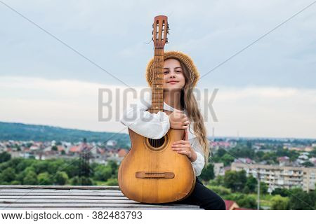 Music That Touches The Heart. Singer With Acoustic Guitar. Music And Art. Musical Shop. Happy Girl E