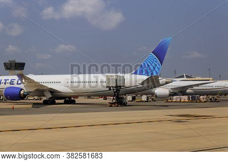 Newark, Nj -25 August 2020 Airplane Being Preparing Ready For Takeoff In International Airport At Tr