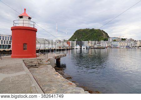 Alesund, Norway - July 27, 2020: People Visit Molja Lighthouse In Alesund City. Alesund Is The Large