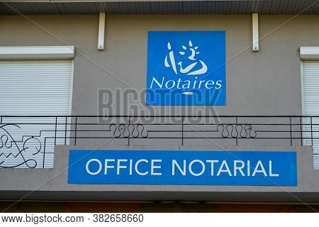 Bordeaux , Aquitaine / France - 08 20 2020 : Notary French Office Notarial Notaire Text Sign And Log