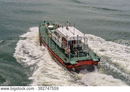 Colombo, Sri Lanka - November 25, 2019: Pilot Boat Bringing Harbor Pilot To The Cruise Ship In The P