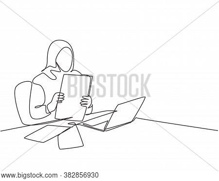 Single Continuous Line Drawing Of Young Muslim Woman Prepare Business Paper Documents Before Busines