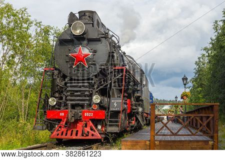 Ruskeala, Russia - August 15, 2018: Soviet Main Steam Locomotive Lv-0522 At The Platform Of The Rusk