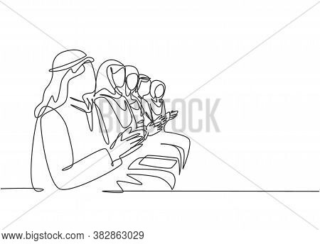 Single Continuous Line Drawing Of Young Male And Female Muslim Workers Clapping Hands After Heard A
