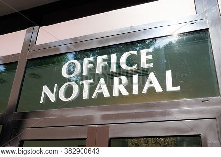 Bordeaux , Aquitaine / France - 08 25 2020 : Office Notarial French Notaire Means Notary Text On Win