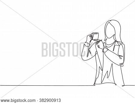 One Continuous Line Drawing Of Young Marketing Manager Make A Quiet Gesture With Finger While Holdin