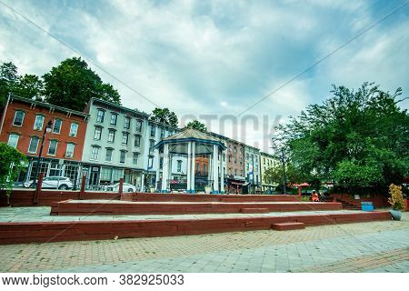 Kingston, Ny / Usa - 8/26/20:  A View Of  T.r. Gallo West Strand Park, Located At The Foot Of Broadw