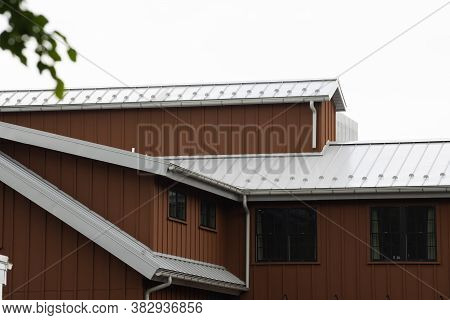 Modern Standig Seam Metal Roof With Roof Window, Fume Hoods Snow Guard Rain Gutter Standing Seam Mod