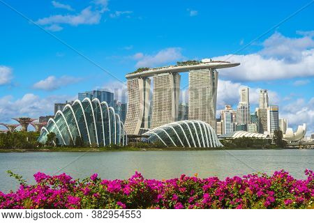 February 3, 2020: Skyline Of Singapore At The Marina Bay With Iconic Building Such As Supertree, Mar