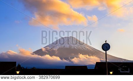 Close Up Of Fuji Mountain And Cloud Over The Blue Sky In The Evening At Kawaguchiko Lake, Yamanashi,