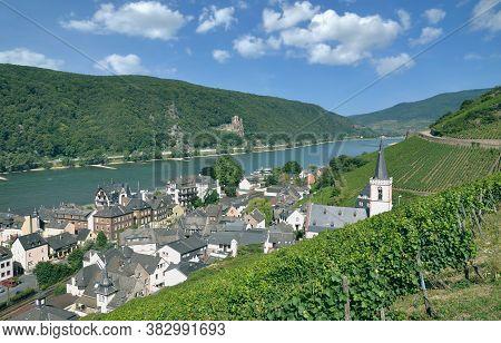 Famous Wine Village Of Assmannshausen In Rheingau,rhine River,germany