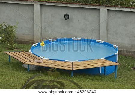 Small pool installation in green area