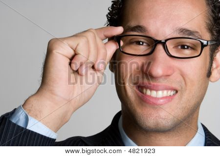 Knappe zakenman dragen bril