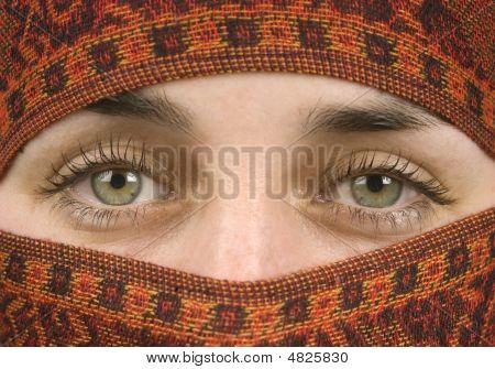 Gorgeous Eyes Of A Muslim Lady