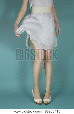 Woman's legs - white dress - Fashion