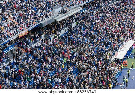 Bernabeu Spectators