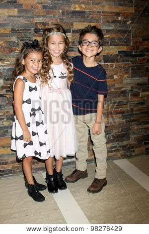 LOS ANGELES - AUG 8:  Brooklyn's sister, Brooklyn Rae Silzer, Nicolas Bechtel at the General Hospital Fan Club Luncheon Arrivals at the Embassy Suites Hotel on August 8, 2015 in Glendale, CA