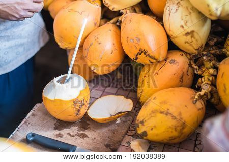 Orange Fresh Coconut Peeling And Shelling With Heavy Chop Knife For Juice In Male,maldives