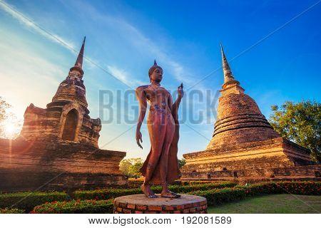 Sukhothai, Thailand - January 16 2017: Wat Sa Si Temple In The Precinct Of Sukhothai Historical Park