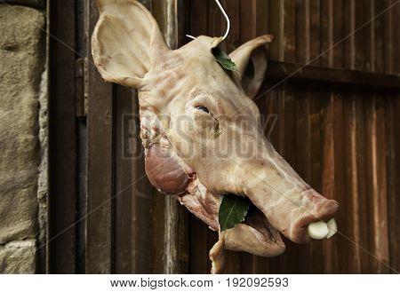 Dead Pig's Head
