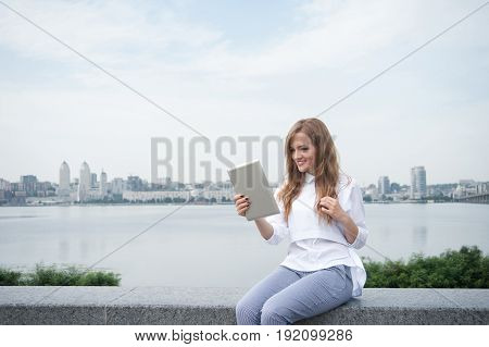 Girl Texting On The Phone03
