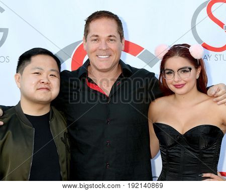 LOS ANGELES - JUN 15:  Matthew Moy, David Gray, Ariel Winter at the Gray Studios Showcase at the Grays Studios, 5250 Vineland Ave. on June 15, 2017 in North Hollywood, CA