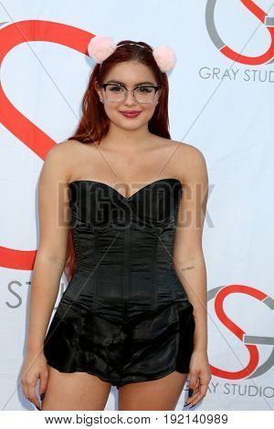 LOS ANGELES - JUN 15:  Ariel Winter at the Gray Studios Showcase at the Grays Studios, 5250 Vineland Ave. on June 15, 2017 in North Hollywood, CA