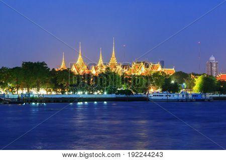 Bangkok , Thailand - 17 June, 2017 : wat phra kaew in sunset time